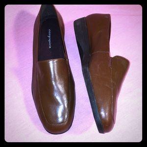 Easy spirit brown leather upper slip on loafer 8M